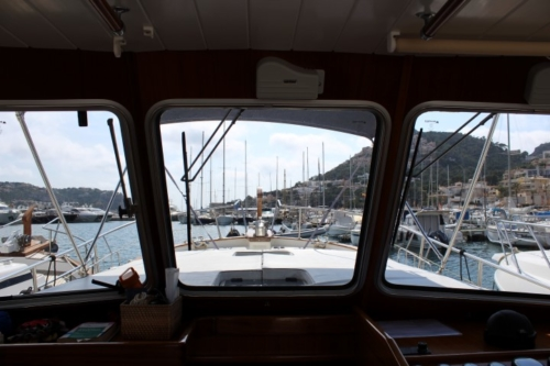 Menorquin 120 HT for sale Whites Yachts Broker Mallorca